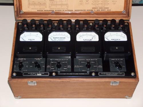 Industrial Analyzer, WESTON, Model 639