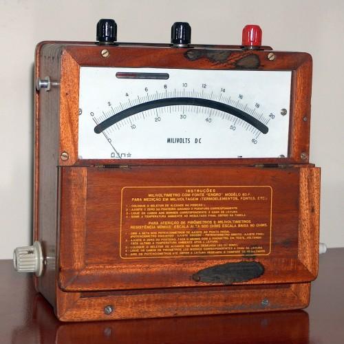 DC Voltmeter, ENGRO, Modelo 60-F