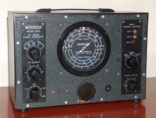 All Wave Signal Generator, WINDSOR, Model 65B