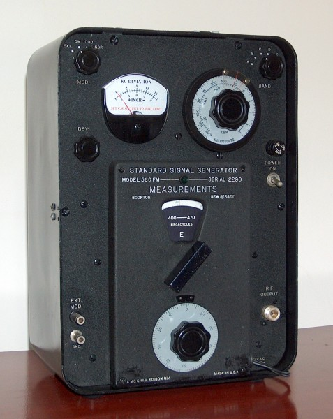 Standard Signal Generator, BOONTON, Model 560FM