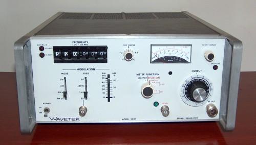Signal Generator, WAVETEK, Model 3007