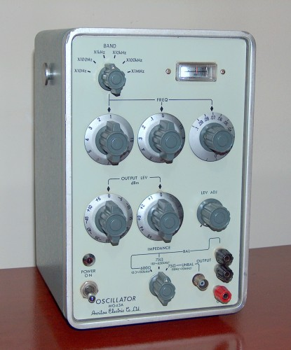 Oscillator, ANRITSU, Model MG43A