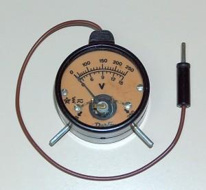 Portable Voltmeter, DARFON, Model 15/250