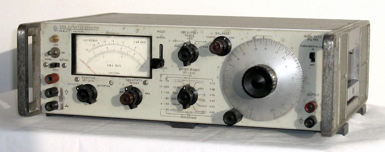Distortion Analyzer, HEWLETT PACKARD, Model 334A « www museu